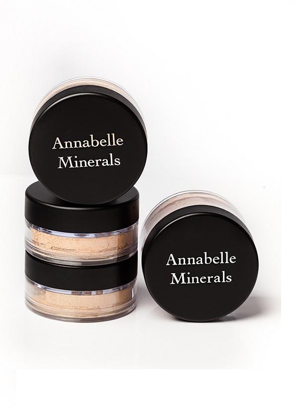 Nagrodami w konkursie są zestawy kosmetyków mineralnych Annabelle Minerals