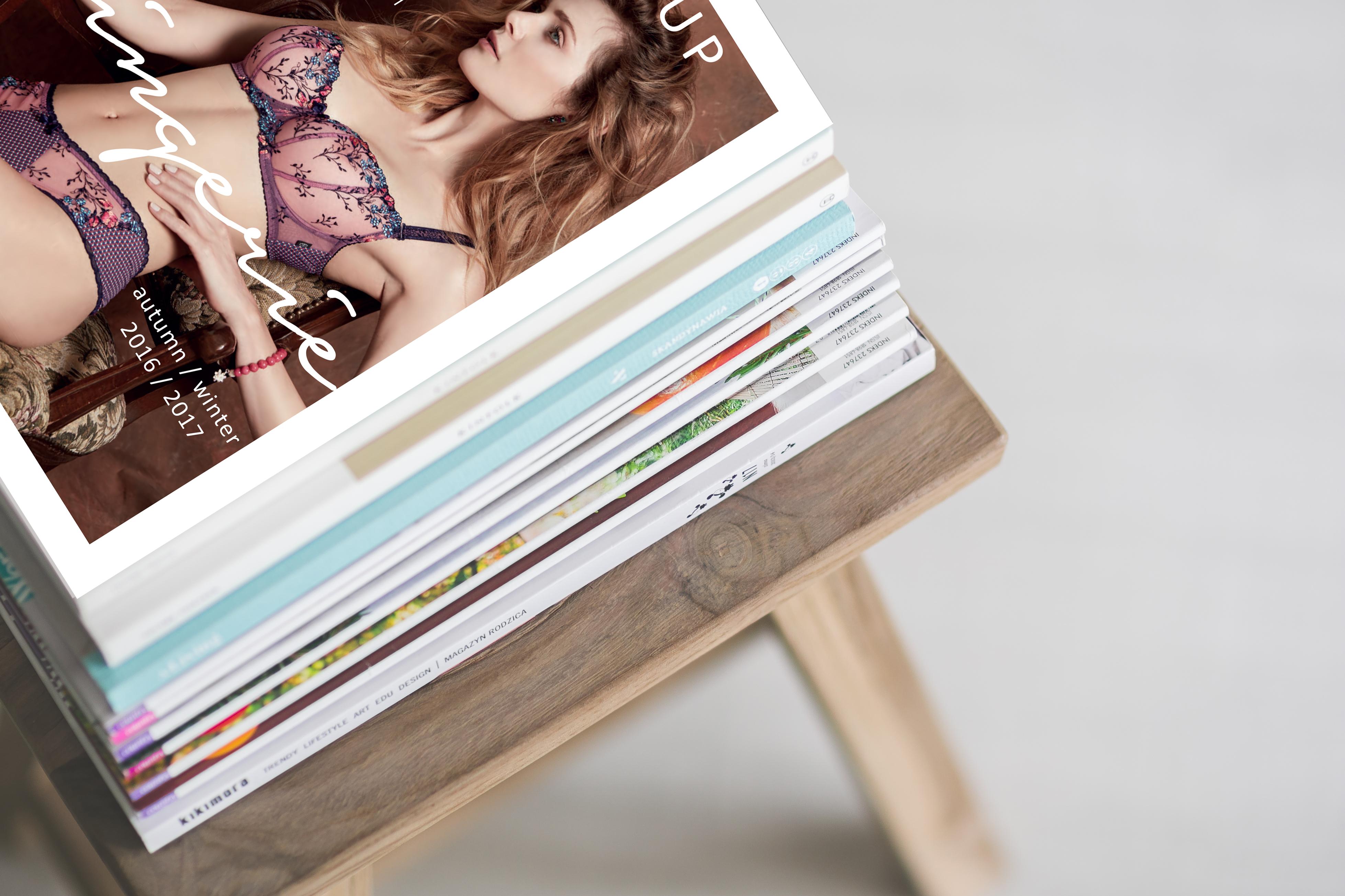 kaboompics-com_stack-of-magazines