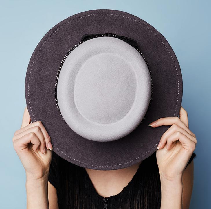 Jolie Su, Vicky Hat